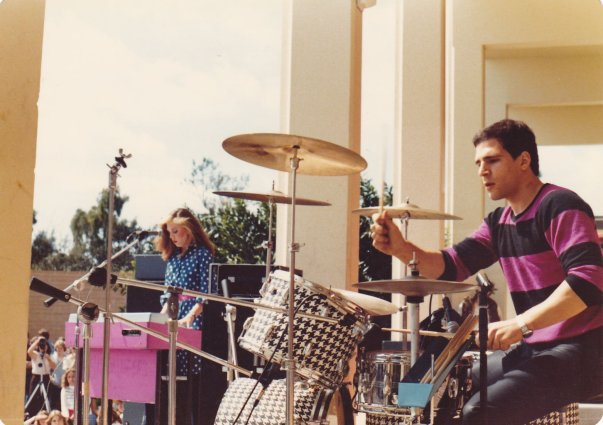 Michael Hutchinson, 1980s, Drums, Houndstooth, California, Polka dot, music festival, musician, Rekordio